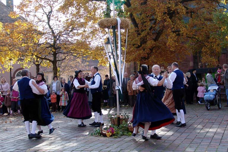 Trachtengruppe zum Erntedankfest in Buchen, Deutschland